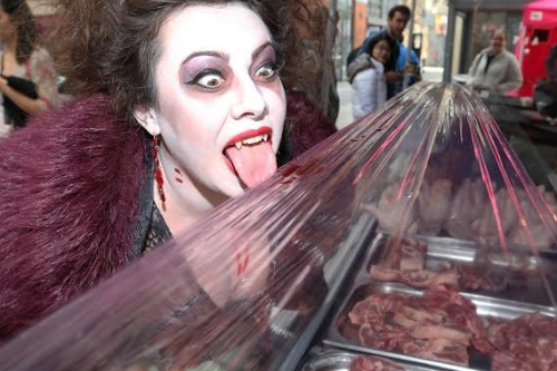NO REPRO FEE 25/10/2014. Goths V Zombie Dance Off. Pictured (LtoR) vampire Carmilla in Temple Bar Market in Dublin. The Goths and Zombies will meet at the top of Grafton Street (outside the shopping centre) at 2.30pm for the ultimate dance-off. Two costumed legions of horror will battle it out to the beat of classic Goth music. The Bram Stoker Festival runs from 24th - 27th October 2014. Photo: Sasko Lazarov/Photocall Ireland